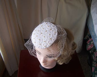 Ivory,red or blue satin covered with white guipure lace brides fascinator with veil
