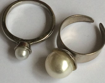 Faux Pearl and white metal Rings