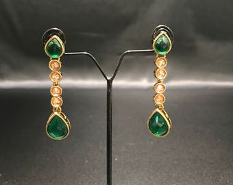 Indian Jewelry - Indian Earrings  - Kundan Earrings - Kundan Jewelry - Green Earrings - Bollywood Jewelry - Pakistani Jewelry - South Indian