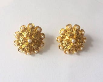 Vintage 1970's Gold Tone & White Pearls Large Flower Studs Statement Earrings