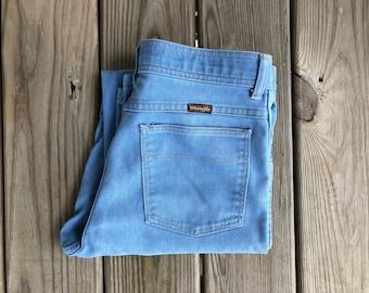 """Wrangler 30"""" Light Wash High Waist Vintage Jeans"""