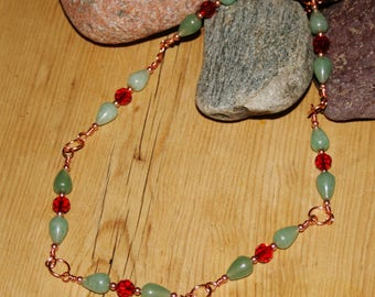 Green Aventurine and red crystal necklace, copper necklace, wire, gemstone, pretty necklace,