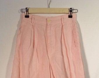 ESPRIT 90s high waist pleated linen shorts// Light pink Bermuda preppy long vintage minimalist// Women's size XS and small 2 3 4