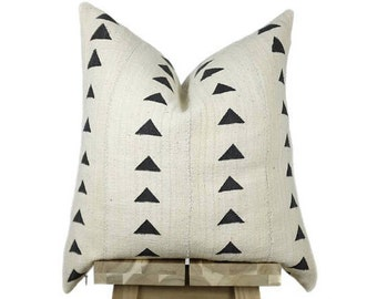 Mudcloth Pillow Cover, African Mud Cloth, African Pillow | Cream and Black | 'Nia'