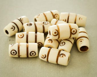 Beads Indian bone, ivory, etched, tinted with tea, traditional, rustic, 7 x 14 mm, Nomad, tribal, Asian, 10 pcs