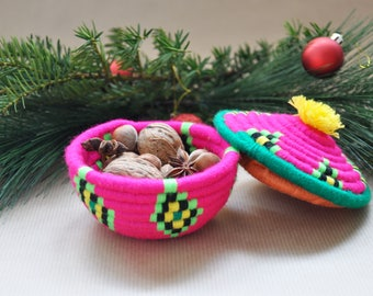 Multicolor woven basket with lid