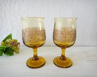 Amber wine glasses Libbey Americana goblets Sandwich glass flower scroll pattern Set of 2 Vintage footed glassware Vintage stemware