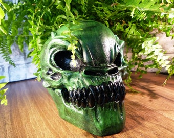 Alien Skull, Geeks, nerds, space, aliens, plaster skull, Outta space, space skull, sci-fi skull, Green alien skull