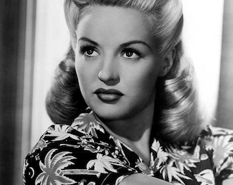 BETTY GRABLE PHOTO #25