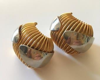 Vintage earrings gold color clip-80 Gold vintage earrings