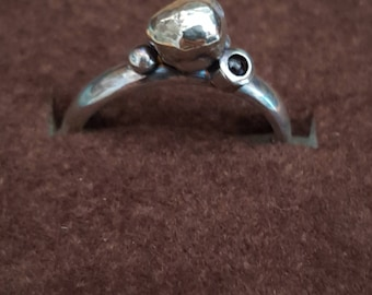 Sterling silver Granual and garnet ring