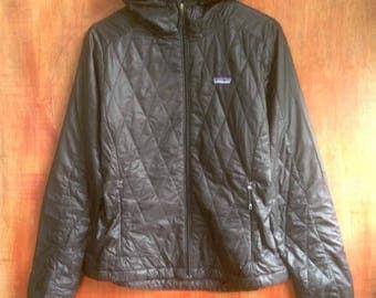 Vintage 90s PATAGONIA goose down Hoodies Jacket women size M hiking Supreme North Face Penfield