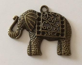 Large elephant Pendant (bronze) 41 X 50 mm