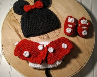Crocheted Minnie Mouse newborn photo prop