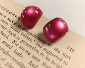 Vintage Mid Century Magenta Pink Lucite Earrings with Screw Backs