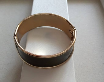 VINTAGE  bracelet green- gold , classical style 1940