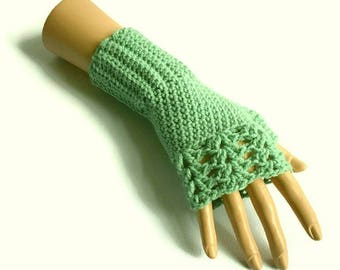 Pale Green Gloves, Pastel Gloves, Green Fingerless Gloves, Sage Green Gloves, Crochet Gloves, Vegan Gloves , Green Wristwarmers