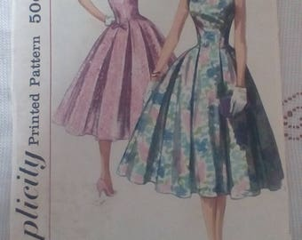 Vintage Simplicity 2030 dressmaking sewing pattern Jr Misses and Misses One-piece Dress 1950s 1957