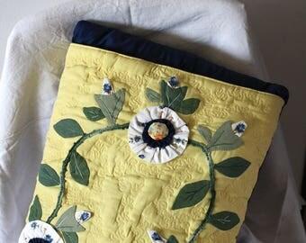 quilt blanket with square, blue and fantasy pattern - coperta a quadri trapuntata blu e fantasia