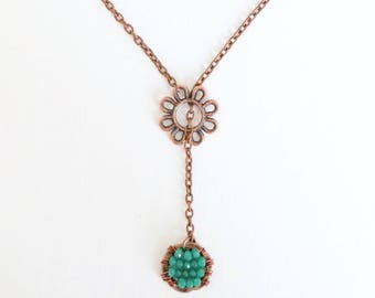 Copper Flower with Hanging Jade Glass Bead Circular Pendant Necklace