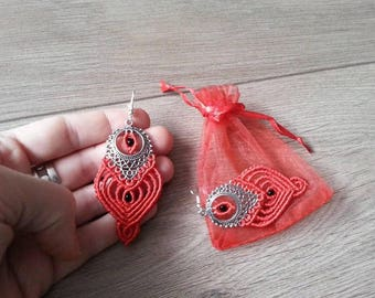 Earrings with silver base red macrame heart. Red macrame heart earrings on silvery base.