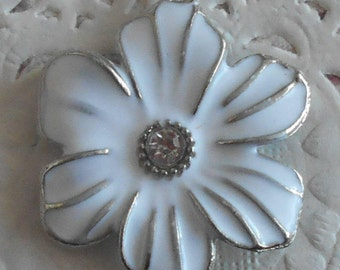 Flower charm in silver and white painted petals with small rhinestones 3.00 cm in diameter
