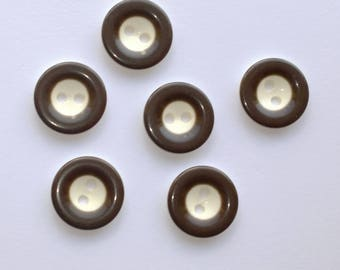 Brown/white buttons - set of 6