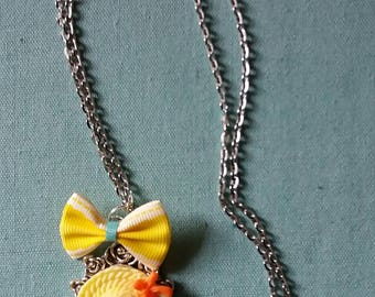 Necklace backed cabochon and bow Hat