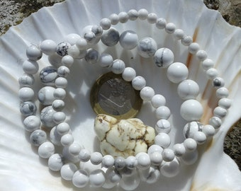 HOWLITE (MAGNESITE) bracelet round beads on elastic thread