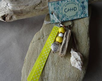 Door keys or jewelry bag in yellow shell and Driftwood