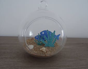 Hanging / decorative fish among the seaweed to hang or place glass ball