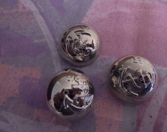 Set of 3 Vintage silver metal 22 mm buttons