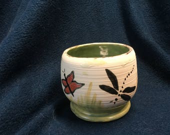 Pedestal dragonfly/butterfly cup