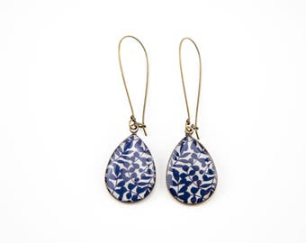 Blue and white flowers #1194 earrings