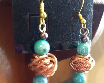 Copper wire knot earrings