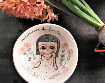 """Bowl with illustration """"Remember to flourish"""""""