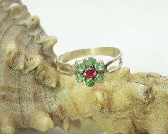 Sterling Silver Emerald and Ruby Flower Ring/Vintage Handmade Cluster Emerald Ruby Ring/Free Shipping US/Anniversary/Christmast/Valentine