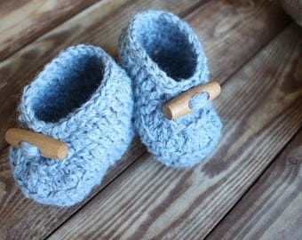 Crib shoes Newborn shoes Baby boy shoes Stay on booties Baby slippers Baby Booties Baby shower gift Baby boots Toddler slippers Child boots