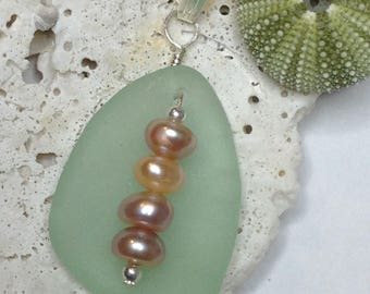 Sea Glass Pendant, Seaglass, Seaglass Jewelry, Handmade Jewelry, Beach Theme, Pea Pod Sea Glass, Sea Glass & Pearl Jewelry