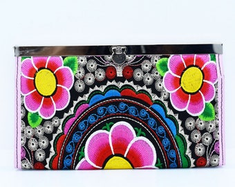 Women Wallet, Fabric Vegan Wallet, Floral Embroidered Wallet, Credit Card Holder, Fabric Bag, Clutch Wallet, Multi compartment Pretty Wallet