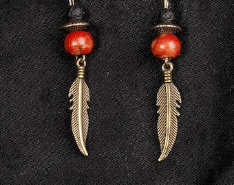 Earrings feather and wooden bead