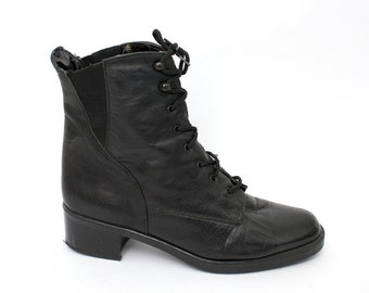 EU 38 - Black vintage shoes womens size 5 / US 7,5 - 1990s ankle boots for women - 90s Italian boots leather elastic laced boots