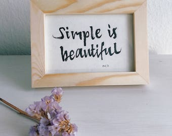 Lettering ' Simple is beautiful '