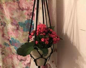 Simple Macrame Plant Hanger- Black/Perfect for all Pot shapes and sizes!