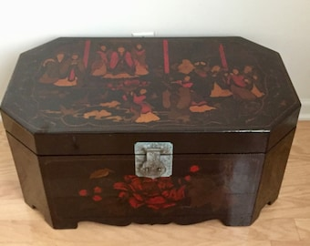 "Vintage Chinese Lacquer Chest Hand Painted Asian Trunk Storage octagon Chinoiserie 29 1/2""x 17 1/2"" x 14"""