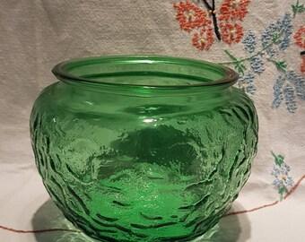 E.O.Brody Co., Avocado Green, Crinkle Glass Vase