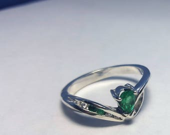 Gorgeous Natural Colombian 0.38ct Emerald, Sterling Silver 925k RING
