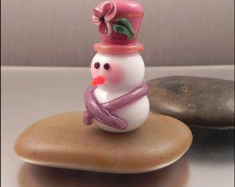 Ginnovations lampwork, Festive Snowgirl focal bead, raspberry pink hat