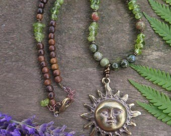 Green Stone & Wood Gold Sun Necklace - Peridot Brass Gold - Earthy Choker - Gemstone Olive - Natural Bohemian - Festival Boho Fashion Meadow