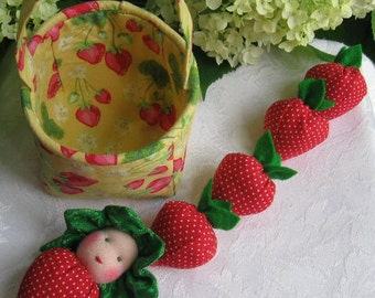 Waldorf Dolls,Waldorf Strawberry Doll,Strawberry Baby,Gift for Gardener,Nature Table,Play Food,Anthropomorphic,Strawberry Doll,Kitchen Decor